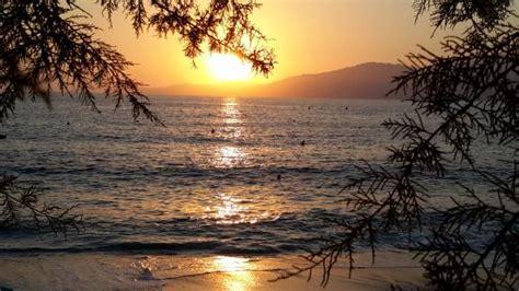 hotel chambre 3 personnes coucher de soleil sur la plage de l 39 hôtel photo de