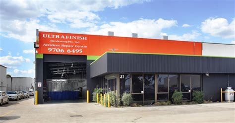 dandenong south warehouse sold for 1 32 million
