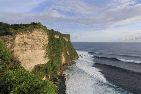surf indonesia explore indonesia