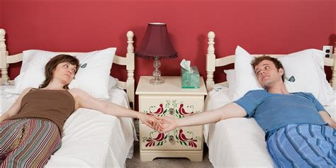 couples sleep  separate beds