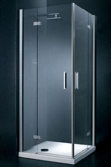 box doccia senza profili cabina doccia chiusa su 4 lati termosifoni in ghisa