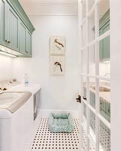 Amenagement buanderie 35 exemples pour petites surfaces for Kitchen cabinets lowes with papier peint originaux