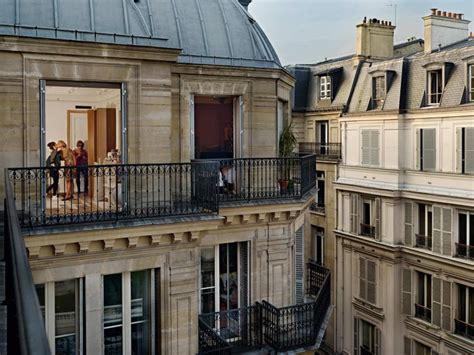 En Images  Dans L'intimité Des Parisiens