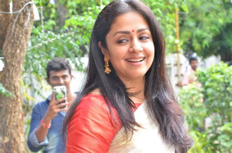 actress jyothika latest photos actress jyothika latest photos in white saree lovely telugu