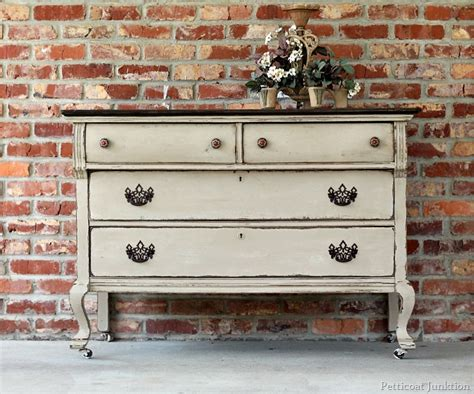 Extreme Painted Furniture Makeover, Twotone Finish
