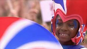 BBC NEWS | UK | London hosts huge 2012 party