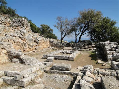 🥇Travel Guide for Island Crete ⛵🏊, Greece - Ancient Lato