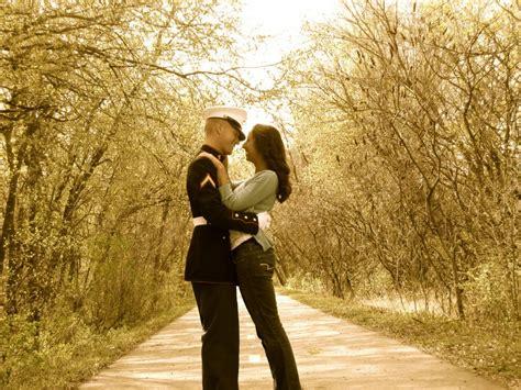 Pictures Marine Couple