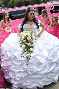 Bride designs her own £6,000 dress at the 'big fat Gypsy ...