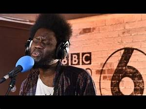 Michael Kiwanuka performs Father's Child in the 6 Music ...