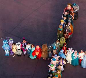 140 Disney Characters Come Together To Create The World's ...