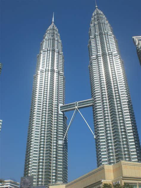 petronas twins tower menara kembar tertinggi  dunia
