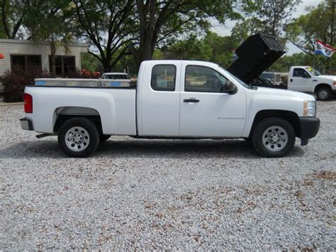 sell   chevy silverado  body style ext cab