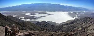 Badwater Salt Flats And The Panamint Mountains  Dante U0026 39 S View And Coffin Peak  Death Valley