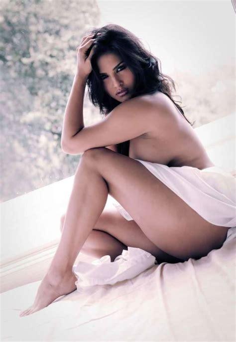 Hot Celebs Sunny Leone Nude
