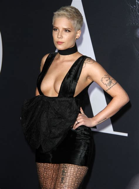 Halsey – 'Fifty Shades Darker' Premiere in Los Angeles 2/2 ...
