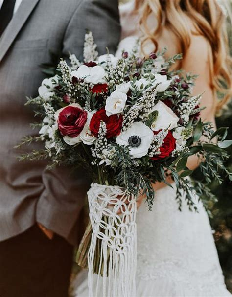 Our Favorite 9 Winter Bridal Bouquets Winter Wedding