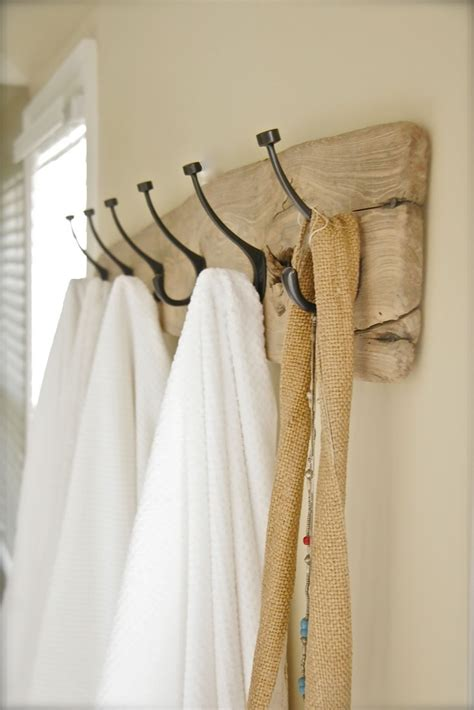 Bathroom Towel Hanging Ideas by 25 Best Ideas About Hanging Bath Towels On