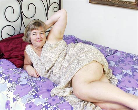 bbw granny toying her old cunt pichunter