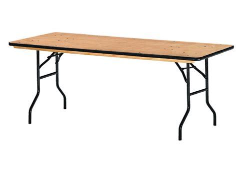 gamme de tables pliantes bois rondes ou rectangle pour l organisation de vos festivit 233 s