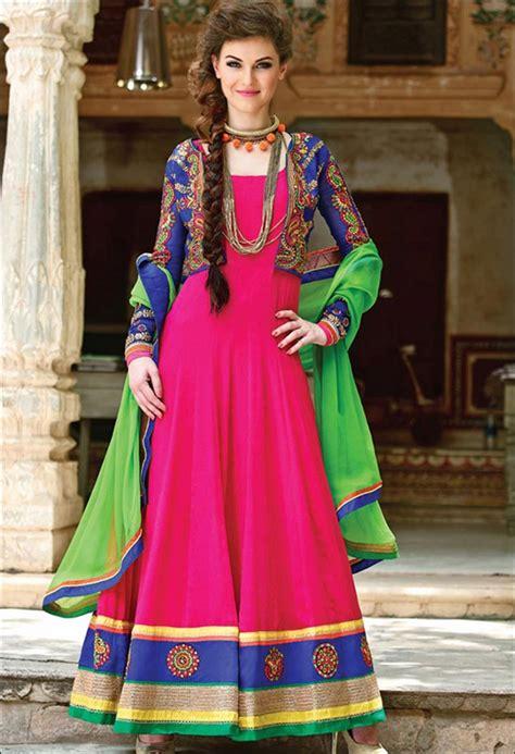 Dupatta Draping Style - 24 dupatta draping styles with a twist