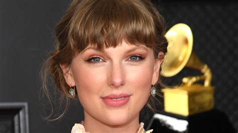 Why The Internet Is Buzzing About Taylor Swift's Mr ...