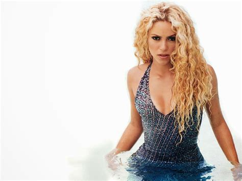 Shakira Beautiful New Hd Wallpaper 2014