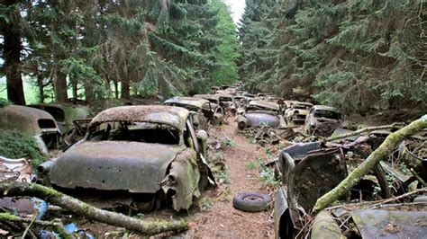 haunted car cemetery wwii traffic drowned