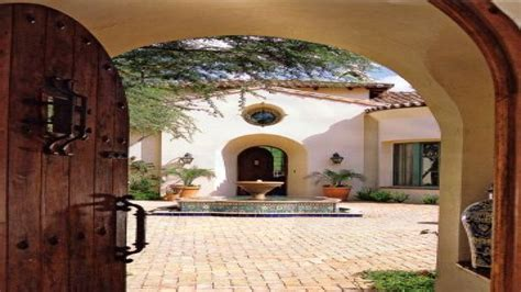 spanish style courtyard home designs small spanish style homes mediterranean architecture style