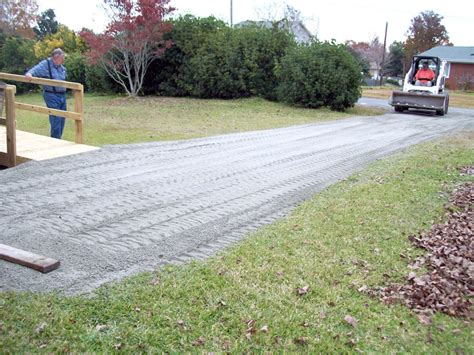 decomposed granite driveway installation installing crushed stone driveway bitdigest design crushed stone driveway options