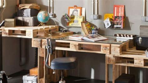 bureau en palettes idées originales de meubles en palettes