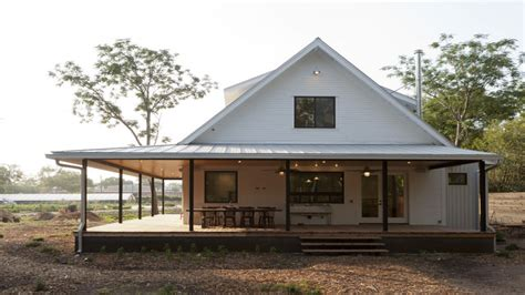 simple farmhouse plans farmhouse with wrap around porch floor plans wrap around porch simple farmhouse plans