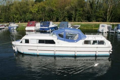 Viking Boats For Sale Uk by Viking 32 Aft Cabin Boats For Sale At Jones Boatyard