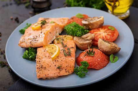 Speciālisti iesaka samazināt zivju patēriņu uzturā - D ...