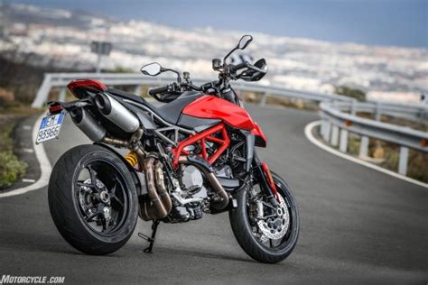ducati hypermotard  review static