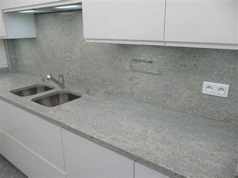 granit pour plan de travail cuisine kashmir white azur