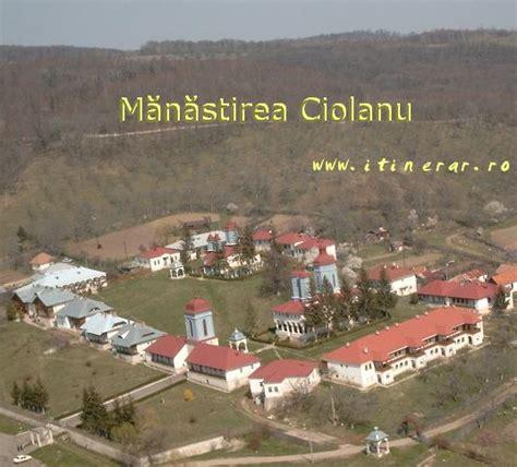 Buzău Valley --photos, landscape, images: Ciolanu Monastery