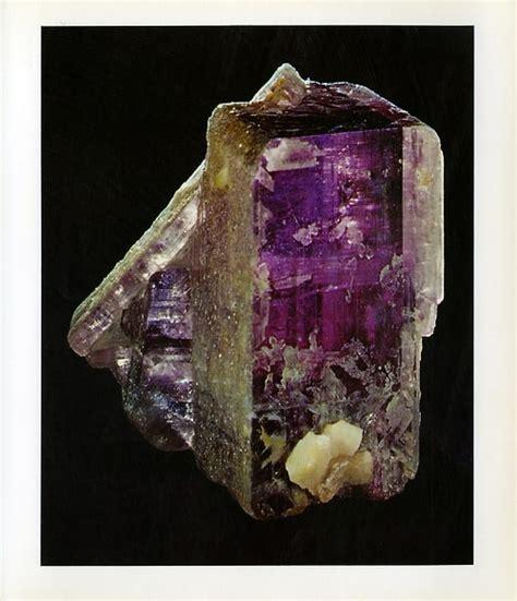 khasiat batu permata anhydrite dunia pusaka sakti