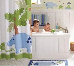 Home christmas decoration 11 bathroom designs for kids for Girls in bathroom with boys