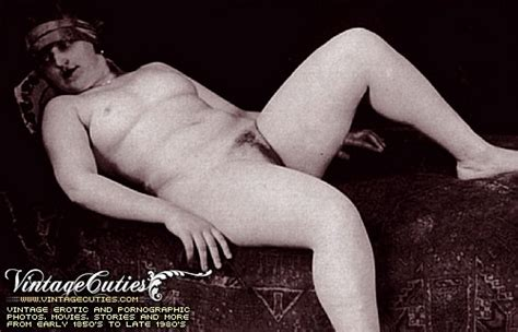 Sexy Naked Beauty In Vintage Photos In Porno Of Year Porn Tv