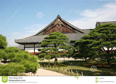 Traditionelles Japanisches Haus Und Garten Stockbild