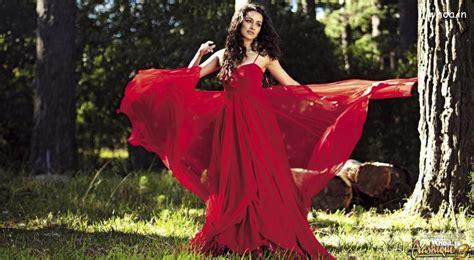 shraddha kapoor red dress  aashiqui  movies wallpaper