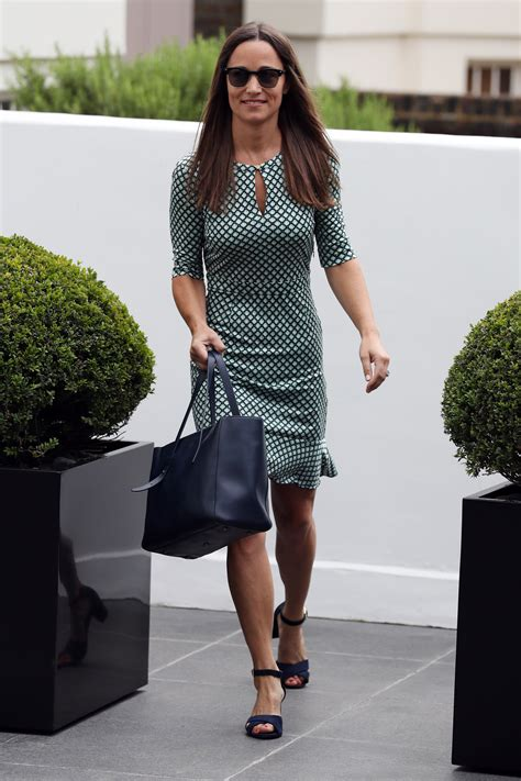 pippa middletons ring  totally gorgeous
