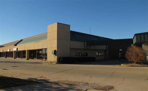 Sunnycrest Center For Lease