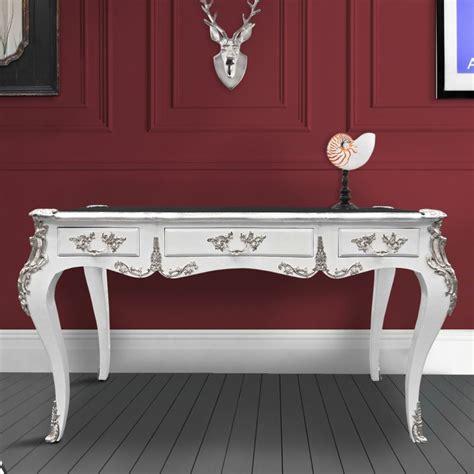 bureau style baroque grand bureau baroque de style louis xv blanc 3 tiroirs