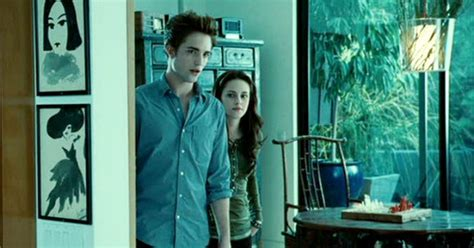 "Bella & Edward Living In The ""twilight"" Zone  Hooked On"