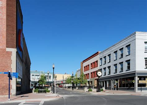 File:Downtown Plattsburgh.jpg - Wikimedia Commons