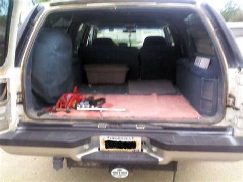 find   gmc  suburban sle sport utility  door