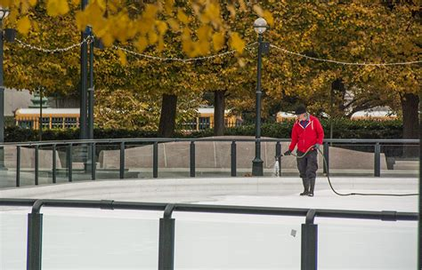skating rinks open  national gallery waterfront