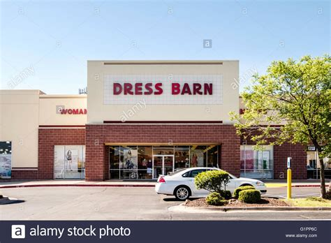 Clothing Stores Exterior Stock Photos & Clothing Stores
